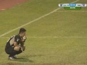 Bóng đá - Thủ thành V-League mắc sai lầm khiến đội nhà phát khóc