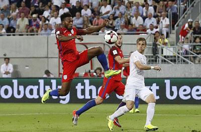 Chi tiết Slovakia - Anh: Cú ra chân 3 điểm (KT) - 10