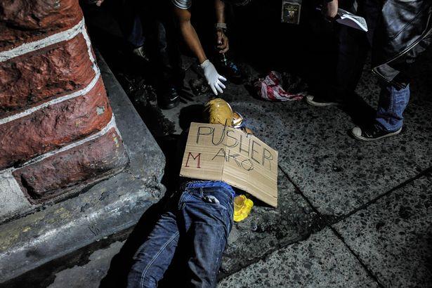 """2.400 người bị giết, dân Philippines không dám """"hé răng"""" - 2"""
