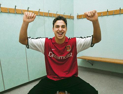 Ibra chê Arsenal và Man City, chỉ tới Anh vì Mourinho - 2