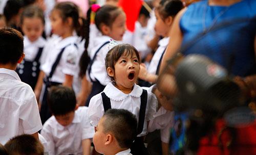 Những hình ảnh ngộ nghĩnh của trẻ nhỏ ngày đầu tới lớp - 5