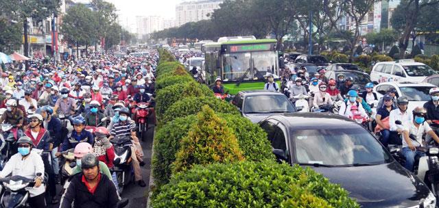 Ngày đầu sau nghỉ lễ: Người - xe ken đặc phố xá Sài Gòn - 3