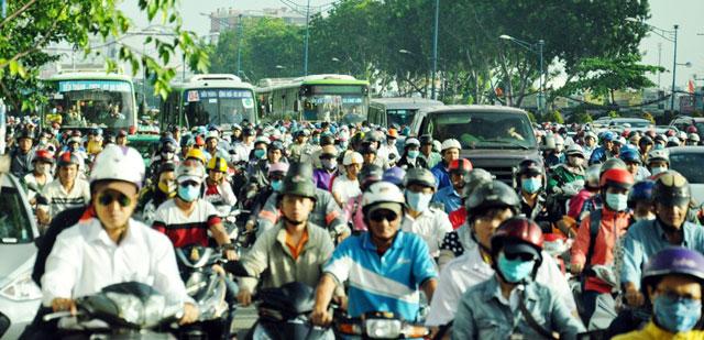 Ngày đầu sau nghỉ lễ: Người - xe ken đặc phố xá Sài Gòn - 9