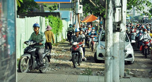 Ngày đầu sau nghỉ lễ: Người - xe ken đặc phố xá Sài Gòn - 5