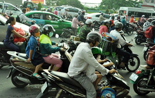 Ngày đầu sau nghỉ lễ: Người - xe ken đặc phố xá Sài Gòn - 7