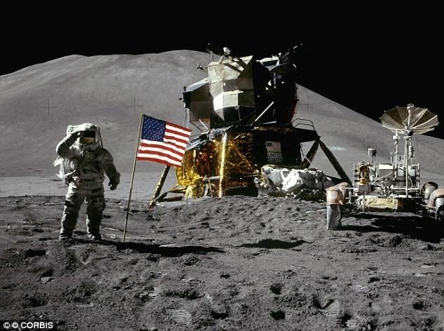 Mặt trăng là hành tinh nhân tạo của người ngoài trái đất? - 1