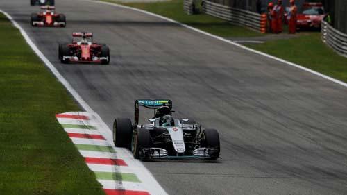 """F1, Italian GP: Mercedes và Ferrari """"mở hội"""" tại Monza - 1"""