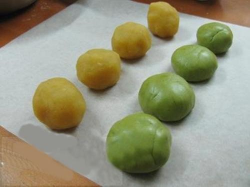 Cách làm bánh Trung thu trà xanh thơm ngon cực đơn giản - 5