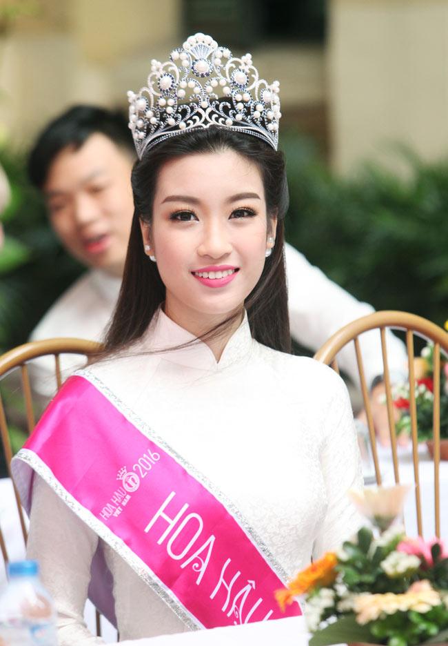 Nữ sinh trường hoa hậu Mỹ Linh xinh đẹp ngày khai giảng - 2