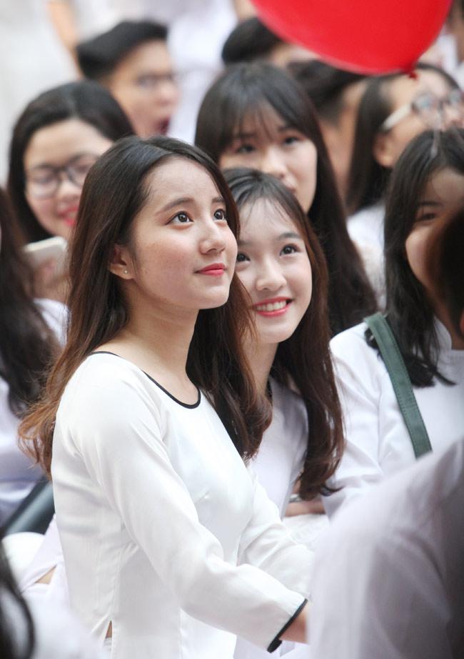 Nữ sinh trường hoa hậu Mỹ Linh xinh đẹp ngày khai giảng - 7