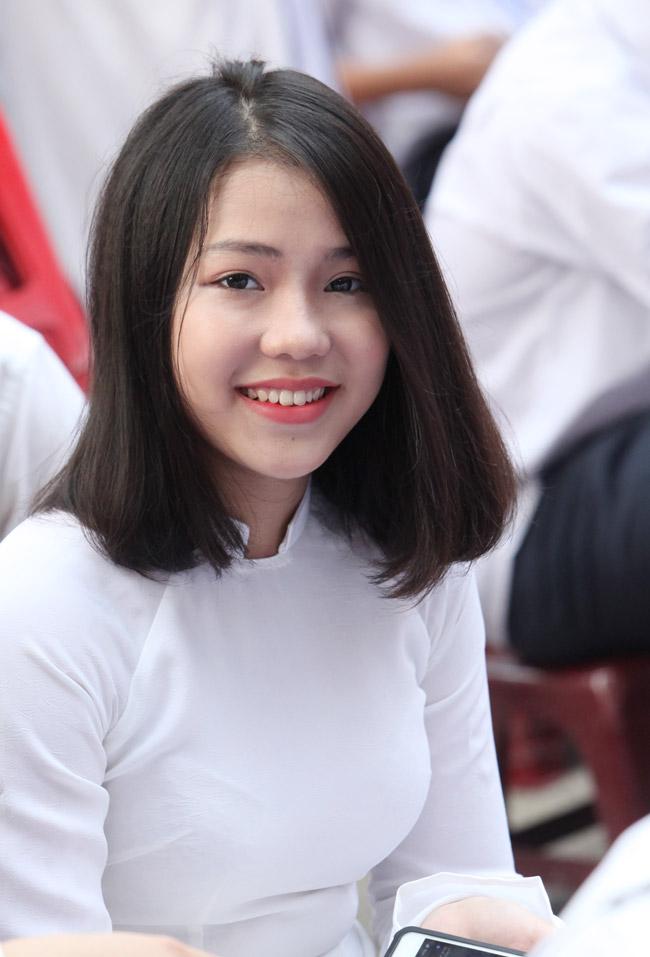 Nữ sinh trường hoa hậu Mỹ Linh xinh đẹp ngày khai giảng - 11