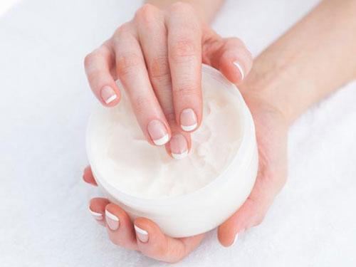 6 bước làm sạch móng tay mỗi ngày chị em nên biết - 7