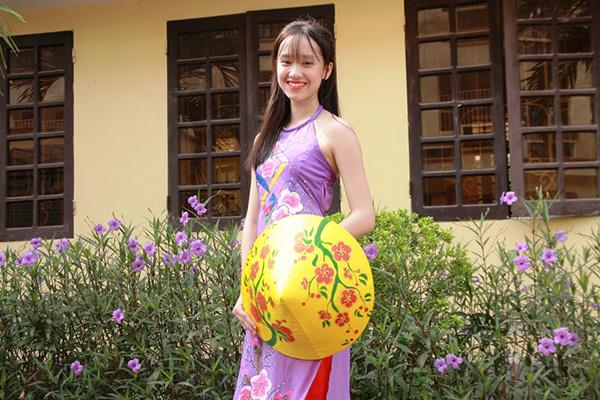 Nữ sinh chuyên Phan Bội Châu rạng rỡ ngày khai trường - 12