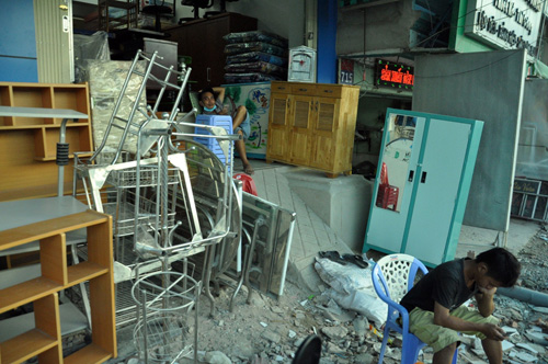 """""""Bão"""" bụi tấn công ở Sài Gòn, dân chịu không thấu - 12"""