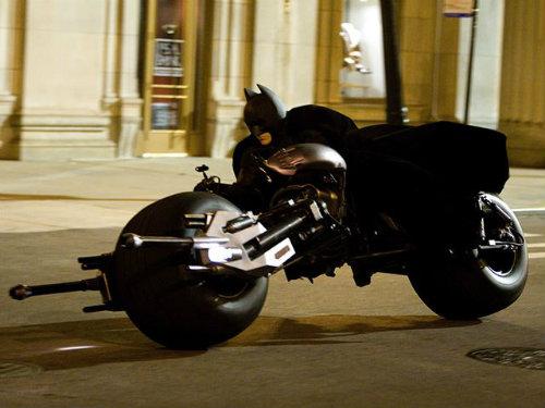 """Siêu môtô """"Người Dơi"""" rao bán giá 2,36 tỷ đồng - 6"""