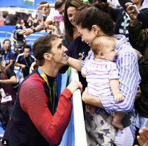 Bí mật về quý tử của Phelps và Hoa hậu Nicole Johnson - 2