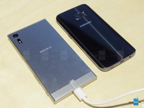 So sánh nhanh Sony Xperia XZ và Samsung Galaxy S7 - 4