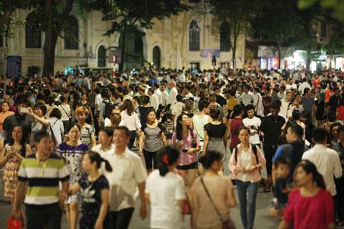 3 ngày mở phố đi bộ, Hà Nội thu hơn 500 tỷ đồng - 1