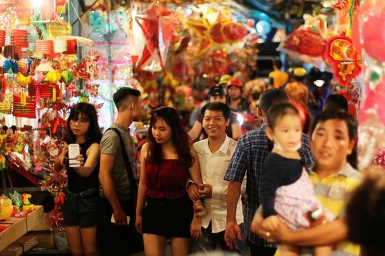 Phố lồng đèn Sài Gòn rực rỡ trước Tết Trung thu - 14