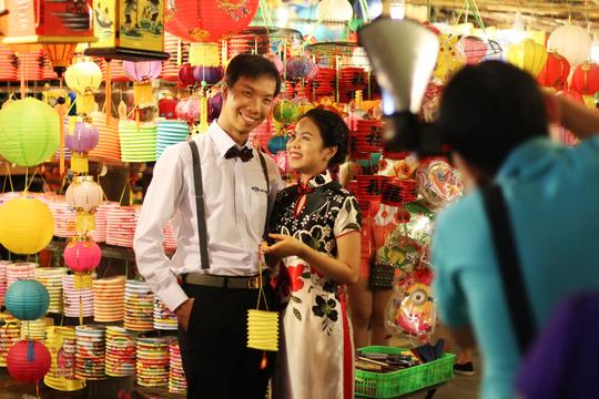 Phố lồng đèn Sài Gòn rực rỡ trước Tết Trung thu - 16