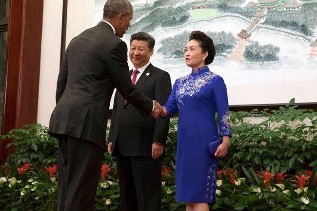 Trung Quốc chặn dân mạng khen váy của đệ nhất phu nhân - 1