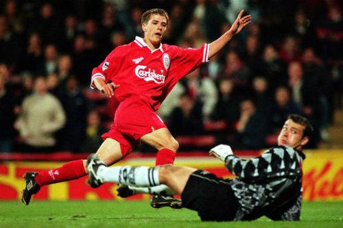 """Tiết lộ: Owen đến MU vì bị Liverpool """"xua đuổi"""" - 1"""