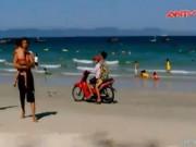 Náo loạn mô tô nước, xe máy ở bãi biển Khánh Hòa