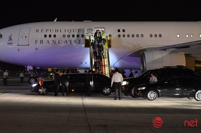 Tổng thống Pháp đã đến Việt Nam đêm qua - 3