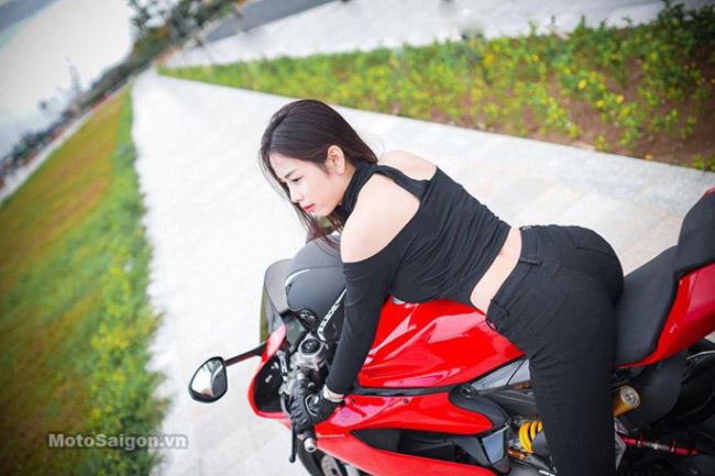 Mãn nhãn với bộ ảnh cưới cùng cặp đôi Ducati Panigale 899 - 11