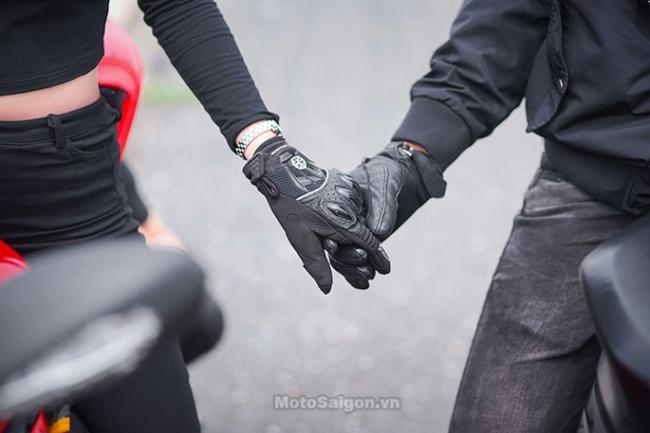 Mãn nhãn với bộ ảnh cưới cùng cặp đôi Ducati Panigale 899 - 12