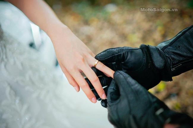 Mãn nhãn với bộ ảnh cưới cùng cặp đôi Ducati Panigale 899 - 14