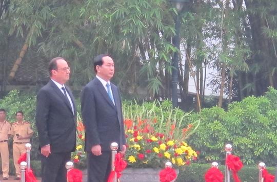 Chủ tịch nước Trần Đại Quang đón Tổng thống Pháp - 4