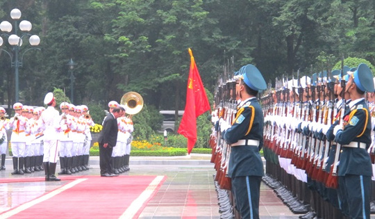 Chủ tịch nước Trần Đại Quang đón Tổng thống Pháp - 5