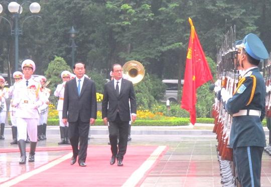 Chủ tịch nước Trần Đại Quang đón Tổng thống Pháp - 6