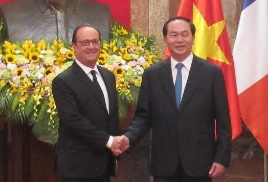 Chủ tịch nước Trần Đại Quang đón Tổng thống Pháp - 8