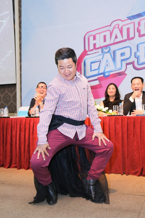 """Chí Tài """"quyến rũ"""" với điệu nhảy trên giày cao gót - 5"""