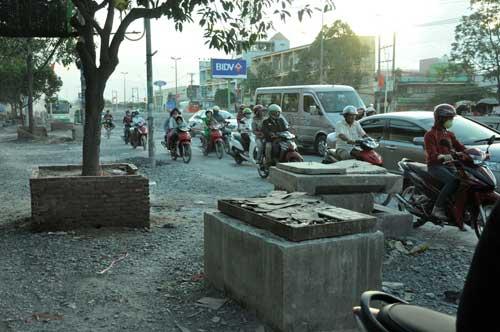 Hạ thấp con đường biến nhà dân thành hầm giữa Sài Gòn - 2