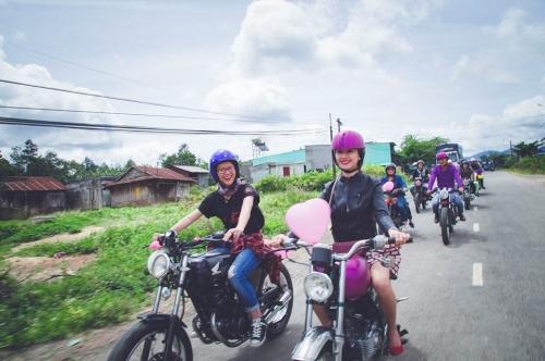 9X rước dâu bằng 40 xe minsk gây sốt ở Lâm Đồng - 2