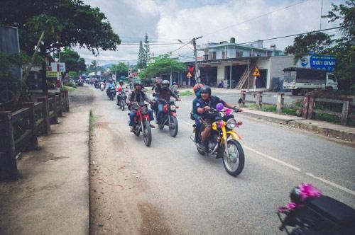 9X rước dâu bằng 40 xe minsk gây sốt ở Lâm Đồng - 6