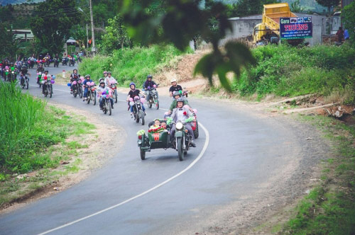 9X rước dâu bằng 40 xe minsk gây sốt ở Lâm Đồng - 8