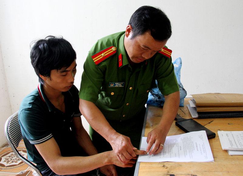 Thảm án Lào Cai: Nghi phạm giết bé sơ sinh vì sợ cháu bơ vơ - 1