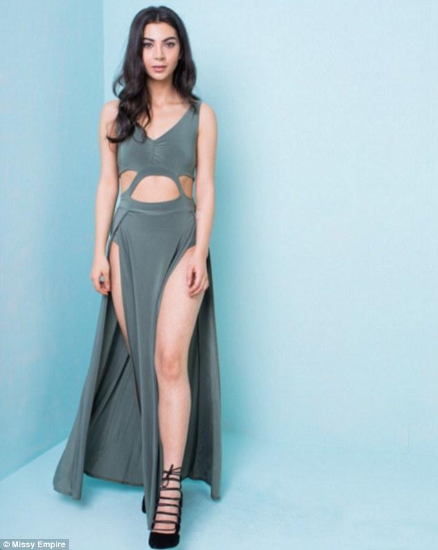 Tuyệt chiêu thuần hóa váy khoét sâu hở sườn siêu sexy - 11