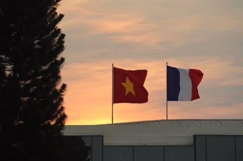 Tổng thống Pháp tới TP.HCM - 8