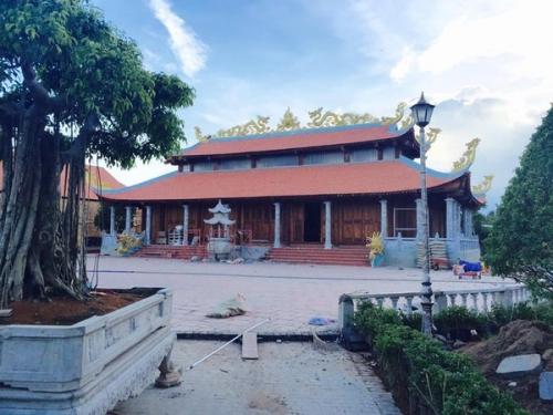 Choáng với nhà thờ Tổ 100 tỷ đã xây xong của Hoài Linh - 3