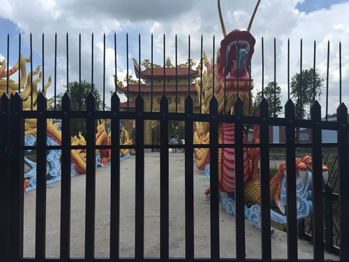 Choáng với nhà thờ Tổ 100 tỷ đã xây xong của Hoài Linh - 5