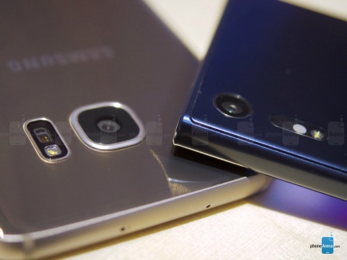 So sánh nhanh Sony Xperia XZ và Samsung Galaxy S7 Egde - 3