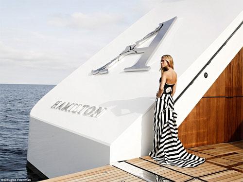 Vợ tỷ phú ngân hàng Nga vừa sexy vừa sành thời trang - 9