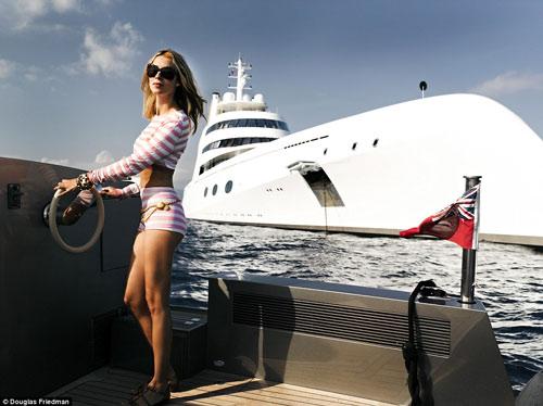 Vợ tỷ phú ngân hàng Nga vừa sexy vừa sành thời trang - 7