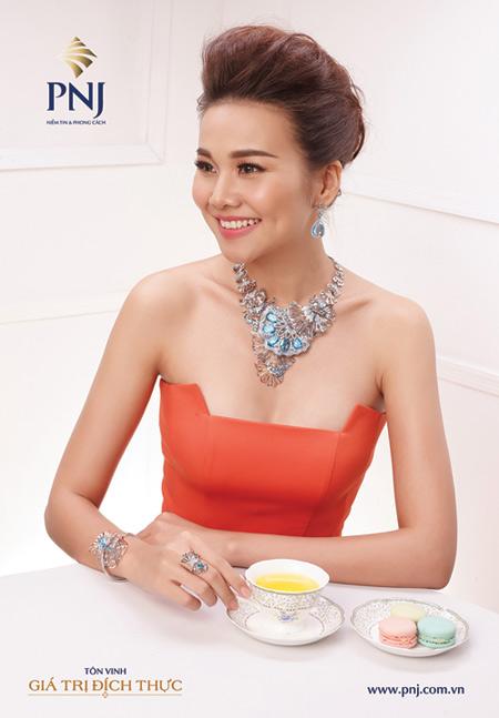 """""""Soi"""" gu thời trang đẳng cấp của Host Thanh Hằng - 3"""