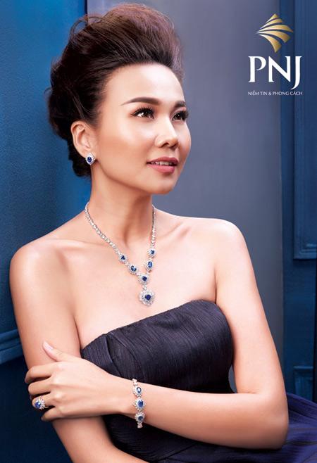 """""""Soi"""" gu thời trang đẳng cấp của Host Thanh Hằng - 4"""
